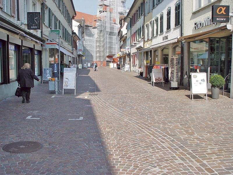Zettelwand zur Begegnungszone Altstadt