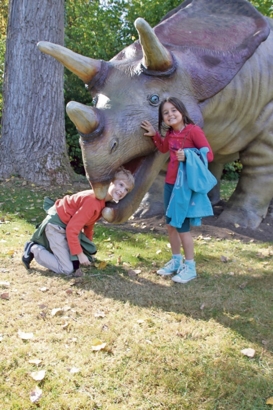 Mit den Dinos auf Tuchfühlung