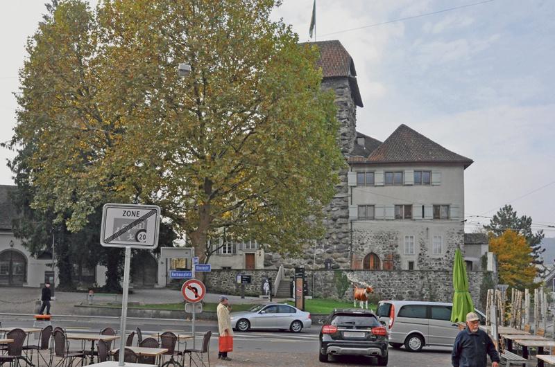 Das Schloss Frauenfeld 1930 und 2015