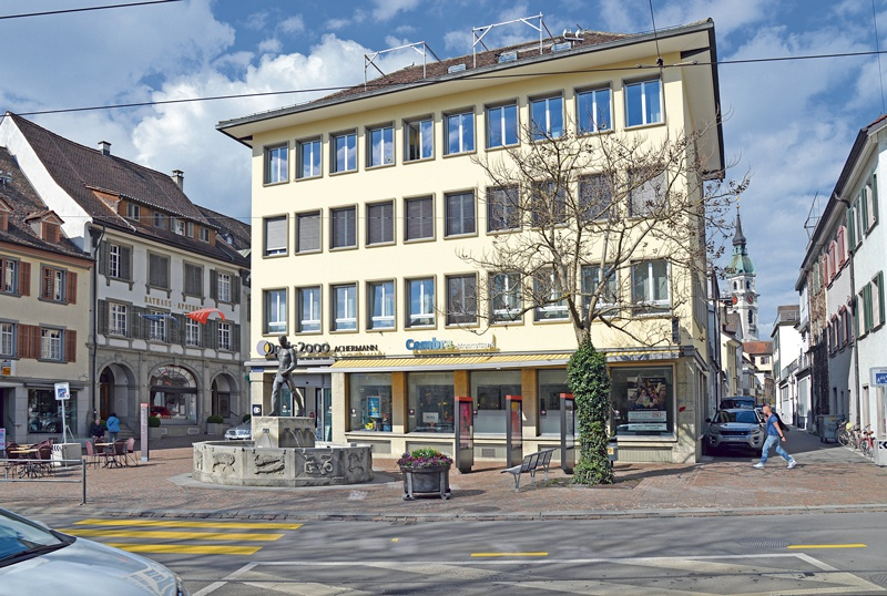 Frontwechsel am Rathausplatz