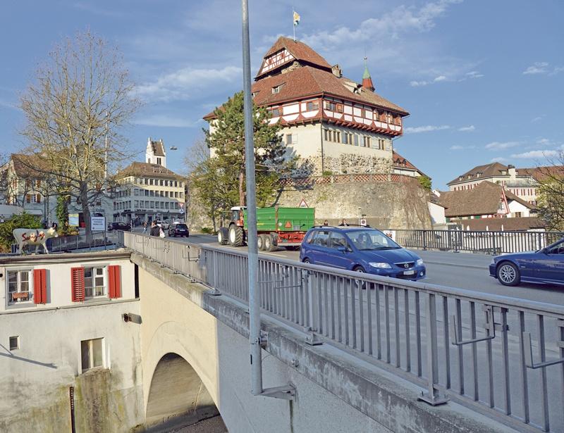 Schloss mit Murgbrücke 1906 und 2016